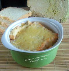 Zuppa di cavolo cappuccio con formaggio