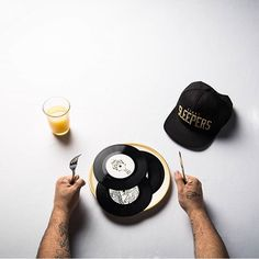 What a sweet shot! Big ups @djnocturnal & his crew the @sleeprockers. Head over to his new site www.twiddledope.com or djnocturnal.tumblr.com @jason_sinn_photography  #djnocturnal #jasonsinnphotography #thudrumble #lightsleepers #blog #dj #breakfast #records #wax #hiphop #turntablism #ALSO #ALightSleepersOhana by lightsleepers