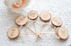 10 Cupcake Topper Holz, personalisiert von little-pink-butterfly auf DaWanda.com