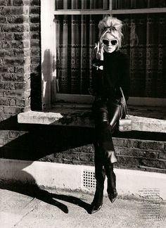 Brigitte Bardot in the & she was just too cool! Brigitte Bardot in the & she was just too cool! The post Brigitte Bardot in the & she was just too cool! appeared first on Mizan. Divas, Outfit Stile, Abbey Clancy, Love Magazine, Jane Birkin, Poses, All Black Everything, Looks Style, Mode Inspiration