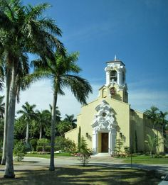 Coral Gables Congregational Church (1923), Miami (Spanish Revival) Photo: Galen R Frysinger