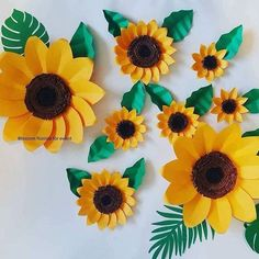 Stunning Sunflower Party Design Ideas For Your Wedding Reception Sunflower Birthday Parties, Sunflower Party, Sunflower Baby Showers, Paper Flower Wall, Flower Wall Decor, Paper Sunflowers, Wedding Sunflowers, Bee Party, Giant Paper Flowers