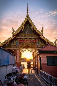 Bangkok, Golden Teak