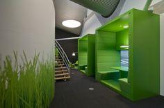 Helemaal back to nature met dit groene interieur op kantoor.