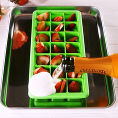 Ice Cubes Don't let your mimosa get warm and watered down—make prosecco ice cubes instead!Don't let your mimosa get warm and watered down—make prosecco ice cubes instead! Summer Drinks, Fun Drinks, Alcoholic Drinks, Summer Parties, Tea Parties, Party Drinks, Detox Drinks, Mixed Drinks, Beverages