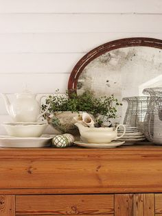 What's not to love here; pretty grouping of lovely objects.