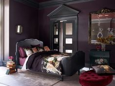 Dark and sumptuous jewel colours. feel like home n i so need this hubby decorating bedroom at mo this be perfect Home Bedroom, Modern Bedroom, Dream Bedroom, Girls Bedroom, Master Bedroom, Bedroom Decor, Dark Romantic Bedroom, Bedroom Ideas, Bedroom Black