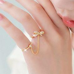 Latest fashion jewelry design of gems-stone. Gold Jewelry Simple, Gold Rings Jewelry, Hand Jewelry, Gemstone Jewelry, Unique Jewelry, Silver Jewellery, Stylish Rings, Stylish Jewelry, Cute Jewelry