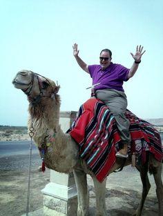 En Israel pasándolo bien. Que aguante el del camello