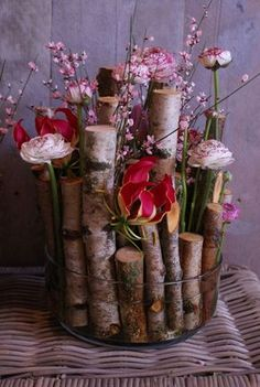birch tree branches floral arrangement in glass bowl, beautiful. Deco Floral, Arte Floral, Floral Design, Ikebana, Flower Decorations, Wedding Decorations, Fleur Design, Deco Nature, Tree Branches