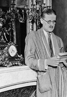 James Joyce leyendo