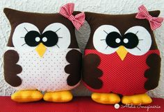 many cute pillow ideas here, love the girl doll pillow; Owl Fabric, Fabric Crafts, Sewing Crafts, Sewing Projects, Sewing Pillows, Diy Pillows, Decorative Pillows, Throw Pillows, Pillow Ideas