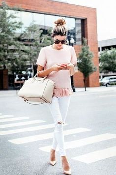 What to Wear with White Jeans? 18 Outfit Ideas to Show You!