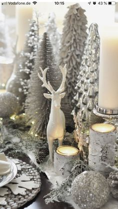 Dekoration Weihnachten – Have a Wonderful silver Christmas ! Have a Wonderful silver Christmas ! Source by Beautiful Christmas Decorations, Decoration Christmas, Farmhouse Christmas Decor, Noel Christmas, Xmas Decorations, Winter Christmas, Christmas Crafts, Christmas Vacation, Christmas Vignette