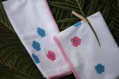 Pormenor do lençol e da fralda.