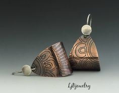 Copper Earrings Mixed Metal Earrings Dangle Earrings door LjBjewelry