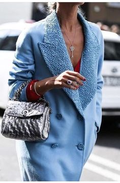 The Best Street Style Inspiration & More Details That Make the Difference Cool Street Fashion, Street Style Women, Street Styles, Street Style Inspiration, Mode Inspiration, Coats For Women, Clothes For Women, Pretty Outfits, Pretty Clothes