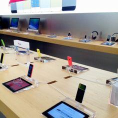 Apple Store Haarlem #apple #haarlem #shoppen #winkelen #grotehoutstraat