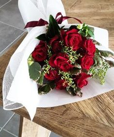 #FloralWhite is a Calamvale based local #flowershop offering next day #flowerdelivery across #Brisbane. We deliver #freshest #flowers with the utmost care. Beautiful Flower Arrangements, Beautiful Flowers, All Flowers, White Flowers, Centerpieces, Table Decorations, Flower Basket, Flower Delivery, Brisbane