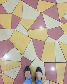 #tileaddiction #amazingfloorsandwanderingfeet #ihavethisthingwithfloors #ihavethisthingwithtiles #viewfromthetop #fromwhereistand #fwis#feetmeetfloors #shoesonthefloor#mosaicart #floorstagram by cathchan62