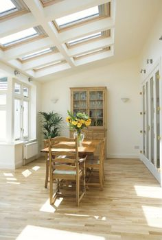 Velux roof windows make for a sunny extension. Luz Natural, Big Doors, Windows And Doors, House Extensions, Kitchen Extensions, Hall Interior, Narrow House, Roof Window, Loft Room