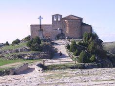 The approach to the Ermita de San Frutos atop the Duratón gorge, Segovia province