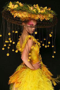 NYC's HeadDress Ball, floral fashion show fundraiser – (photo: ©Matthew Peyton)… – 2019 - Floral Decor Floral Fashion, Look Fashion, Fashion Show, Botanical Fashion, Paper Fashion, 2000s Fashion, Fashion Hair, Fashion Kids, Couture Fashion