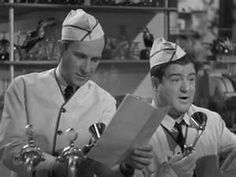 Abbott and Costello --- Favorite comedy duo Great Comedies, Classic Comedies, Classic Tv, Classic Films, Golden Age Of Hollywood, Classic Hollywood, Comedy Duos, Abbott And Costello, Carol Burnett