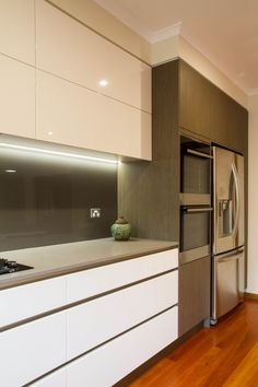 Want kitchen renovations that last? Croydon locals can call The Kitchen Design Centre on 03 9894 Minimal Kitchen, New Kitchen, Kitchen Ideas, Kitchen Interior Inspiration, Kitchen Showroom, Galley Kitchens, Cupboard Storage, Modern Spaces, Walk In Pantry