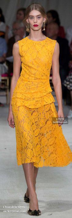 Oscar de la Renta Spring 2016 Ready-to-Wear Fashion Show - Vanessa Moody Yellow. Trendy Fashion, Runway Fashion, High Fashion, Fashion Show, Fashion Design, Yellow Lace Dresses, Moda Do Momento, Style Haute Couture, Fashion Week 2016