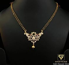 Jewelry Design Earrings, Gold Earrings Designs, Gold Jewellery Design, Gold Mangalsutra Designs, Antique Jewellery Designs, Siri, Lockets, Gold Bangles, Jewelery