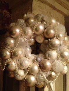 Shabby Chic Charm! - couronne de boules de Noël