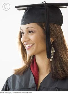cap and gown Graduation Pictures, Senior Pictures, Senior Pics, Cap And Gown, Gown Photos, Picture Ideas, Photo Ideas, Photoshoot, Gowns
