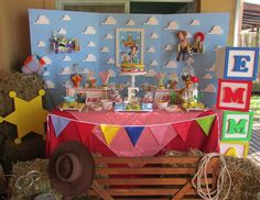 Había una vez's Birthday / - Toy Story Party at Catch My Party Jessie Toy Story, Fête Toy Story, Toy Story Baby, Toy Story Theme, Woody Birthday Parties, Woody Party, Toy Story Birthday, 2nd Birthday, Birthday Ideas