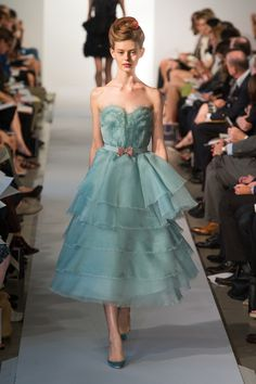 #moda Photos and COMMENT to know the collection, outfits and accessories The Oscar de la Renta presented for Spring Summer 2013