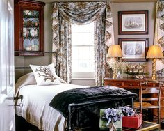 I have always loved Atlanta interior designer Jacquelynne aka Jackye Lanham's style.  I love her use of fine antiques mixed with casual fabr... Cote De Texas, Guest Bedrooms, Guest Room, Master Bedroom, Furniture Arrangement, Curtain Fabric, Fixer Upper, House Colors, Home Decor Inspiration