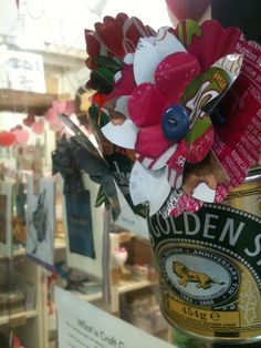 Recycled tin flowers by @craftguerrilla