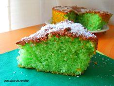 Fresca, estiva e soffice http://blog.giallozafferano.it/cuinalory/torta-di-hulk/ #passioneincucina #gialloblogs #torta #dolci #menta #cocco #breakfast