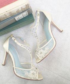 Beautiful Wedding Heels #wedding #heels #bridalshoes #shoes #vintage #fashion