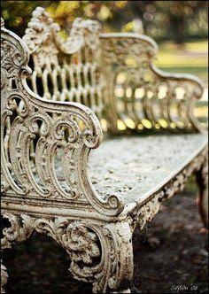 antique iron garden bench- oh my gracious....beautiful