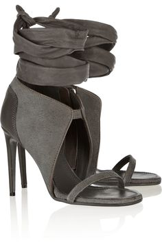 Love these rugged suede and leather sandals by Rick Owens ~ I can see this working well with an all white look in culottes + an oversized summer sweater OR short sailor-style shorts in a blazing tangerine orange OR slouchy boyfriend jeans + a cute blazer Hot Shoes, Grey Shoes, Suede Shoes, Leather Sandals, Shoe Boots, Shoes Heels, Grey Sandals, Suede Leather, Sandal Heels