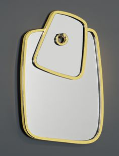 Hubert le Gall - Agate Mirror - 2008 - Golden brass and mirrors - 107 x 64,5 cm - Edition of 25 models - Photo credits : Bruno Simon