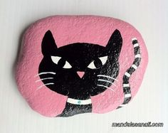 50 Inspiring DIY Painted Rocks Animals Cats for Summer Ideas Pebble Painting, Pebble Art, Stone Painting, Diy Painting, Painted Rock Animals, Painted Rocks Craft, Hand Painted Rocks, Painted Stones, Stone Crafts