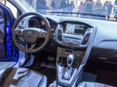 Ford AppLink system helps you find a space with Parkopedia #Ford