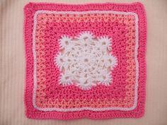 Woollys Snowflake Square pattern by Letitia Sherriff ~ free pattern