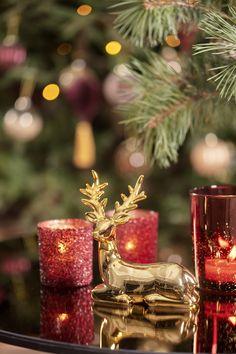 #kremmerhuset #julepynt #Julestemning #Jul #klassisk jul #Julen 2018 #Juletrend 2018 #kremmerhuset jul #juleglede #tradisjonell jul #elegant jul #jul Xmas, Christmas, Traditional, Table Decorations, Elegant, Home Decor, Yule, Yule, Classy
