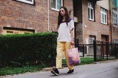 POKOJÍK / Tereza fits blouse by LeAndrea and trousers Conceptxy, plastic string bag by Soap String Bag, Madewell, Midi Skirt, Editorial, Traveling, Trousers, Soap, Plastic, Tote Bag