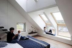 Incredible Loft Bedroom Design Idea 61