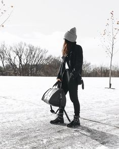 We are just here standing outside freezing our butts off Slim Joggers, Jogger Pants, Sweatpants, Simple Wardrobe, Wardrobe Basics, Basic Outfits, Stylish Outfits, Oeko Tex 100, Post Workout