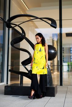 Beat the heat with this roundup of stylish work wear inspiration for summer | 'Nini's Style' blogger in yellow printed dress